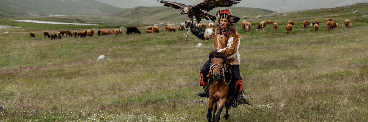 Mongolian-Culture-Eagle-Hunter