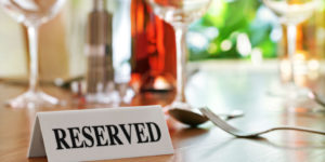 24913974 - reserved sign on a restaurant table